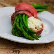 Breakfast With Asparagus, Salmon And Double Goat Cheese — Stockfoto