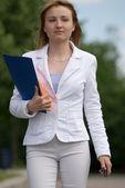 Mulher de negócios jovem — Foto Stock