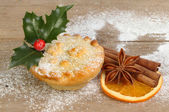 Mince pie and spice — Stock Photo