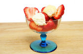 Strawberries in sundae glass — Foto Stock