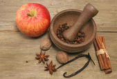 Elma ve baharat — Stok fotoğraf