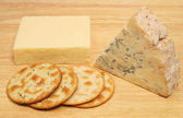 Cheese and biscuits — Stock Photo