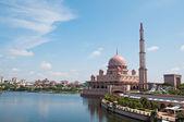 Putra Mosque at Putrajaya, Malaysia — Stock Photo