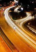 忙しい高速道路で美しい美しい光跡 — ストック写真