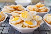 Art von thai-stil-dessert mit wachteln eier — Stockfoto