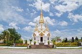 Golden Pagoda and blue sky in Wat Tham Khuha Sawan,Ubonratchatha — Stock Photo