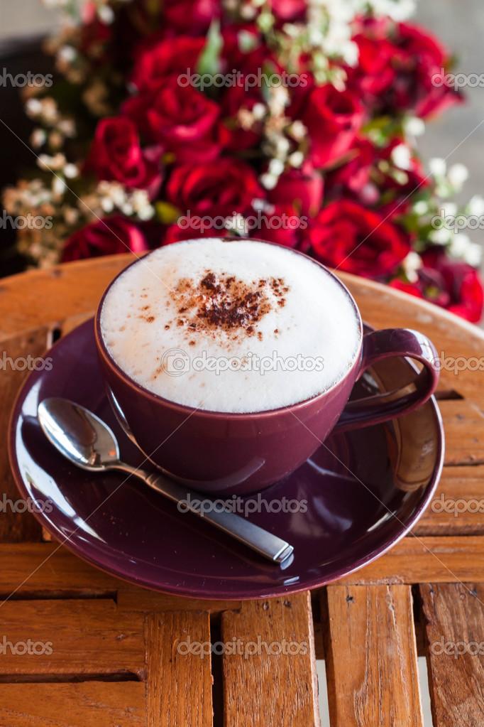petit d jeuner romantique caf et avec rose rouge photo 31567979. Black Bedroom Furniture Sets. Home Design Ideas