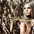 Girl in cornfield — Stock Photo