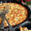 Pie with Apples, Currants on Table Decorated with Pine Cones — Foto de Stock