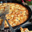 Pie with Apples, Currants on Table Decorated with Pine Cones — ストック写真