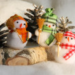 Christmas Snowman Family Picture: Xmas Card — Stock Photo