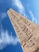 Obelisk and cloud — Stock Photo