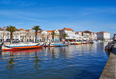 Aveiro city and canal with boats — Stock Photo