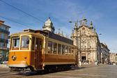 Calle tranvía en porto, portugal — Foto de Stock
