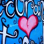 Red graffiti heart — Stock Photo