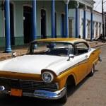 Old cuban car — Stock Photo