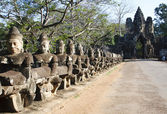 Angkor Tom entrance — Stock Photo