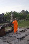 Monk at Angkor Wat Cambodia. — Stockfoto