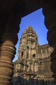 カンボジアのアンコール ワット近くの寺院遺跡します。 — ストック写真