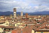 Vista aérea del paisaje urbano de lucca (italia) — Foto de Stock