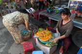 Street food in Vietnam — Stock Photo
