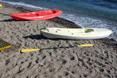 Two canoes are on the beach — Stock Photo