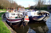 Houseboats on canal — Stock Photo