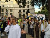 Egyptians protesting in London, Westminster — Stock Photo