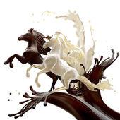 Kahve ve süt sıvı atlar — Stok fotoğraf
