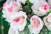 Ramo de flores artificiales flores de arte decorativo blanco — Foto de Stock