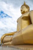 Big golden Buddha  statue in Angthong, Thailand — Photo