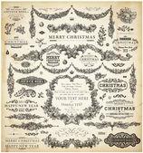 クリスマスの装飾のコレクション。書道とタイポグラフィの要素、フレーム、ヴィンテージ ラベルのセット。リボン、ステッカー、サンタ、天使。手描きクリスマス ボール、毛皮の木の枝やプレゼント. — ストックベクタ