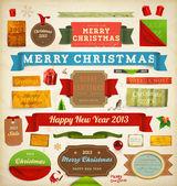 Conjunto de vectores de cintas de navidad, texturas de papel sucio viejo y etiquetas de año nuevo de la vendimia. elementos para el diseño de navidad: santa, bolas, muérdago, regalos, rizado marcos de papel esquina. establecen decoraciones de navidad. — Vector de stock