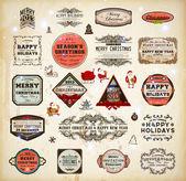 Conjunto de elementos tipográficos y caligráficos, marcos, etiquetas vintage y fronteras en navidad decoración colección. adornos florales y textura de papel viejo, santa con regalos y adornos para el diseño de navidad — Vector de stock