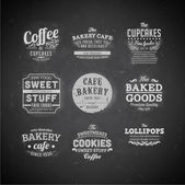 Set of retro bakery labels, ribbons and cards for vintage design, old paper textures — Vetor de Stock
