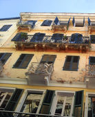 Venetian building in the old town of Corfu, Greece — Стоковое фото