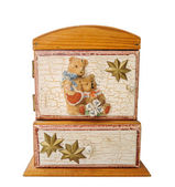 Vintage wooden box with bear — Stock Photo
