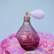 Vintage parfume and jewerly — Stock Photo