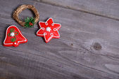 Christmas decoration hanging over wooden background — 图库照片