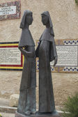 Sculpture of two nuns — Stock Photo