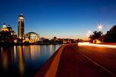 Triffic Lichter auf dem sunset Kai — Stockfoto