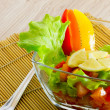 Healthy bright vegetable salad with lemon — Stockfoto