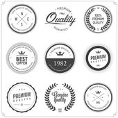 Set of vintage monochrome retail labels and badges — Stockvector