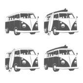 Bus kampeerauto met surfplanken — Stockvector