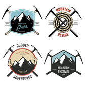 Set of vintage mountain explorer labels and badges — Stock Vector