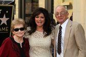 Valerie Bertinelli and parents — Stock Photo
