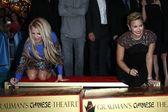 Britney Spears, Demi Lovato — Stock Photo