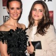 Sarah Paulson, Amanda Peet at the Premiere Screening of FXs American Horror Story Asylum, Paramount Theater, Hollywood, CA 10-13-12 — Lizenzfreies Foto