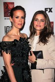 Sarah Paulson, Amanda Peet at the Premiere Screening of FXs American Horror Story Asylum, Paramount Theater, Hollywood, CA 10-13-12 — Stock Photo