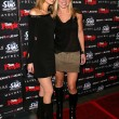 Tamara Braun and Alicia Leigh Willis — Stockfoto